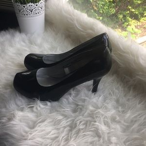 Mossimo Patent leather size 9 heals